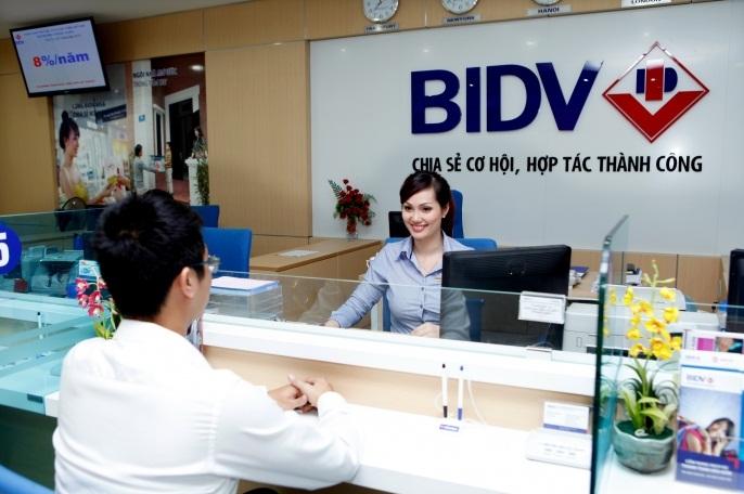 Cửa cổng tự động Ngân Hàng BIDV