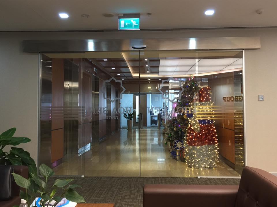 Cửa tự động Hoa Sen Group