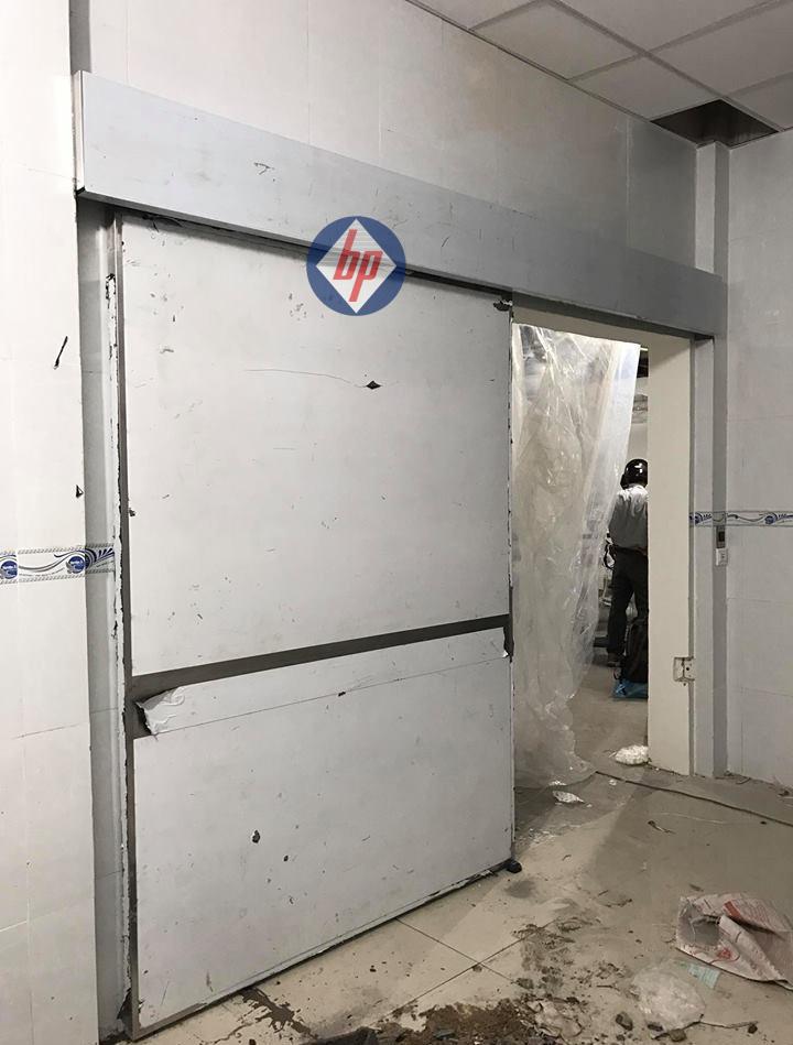 Cửa bệnh viện Xuyên Á 003 - GD2 - baophuc.vn