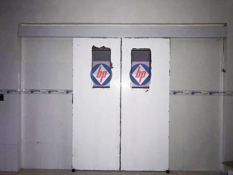 Cửa bệnh viện Xuyên Á 006 - GD2 - baophuc.vn