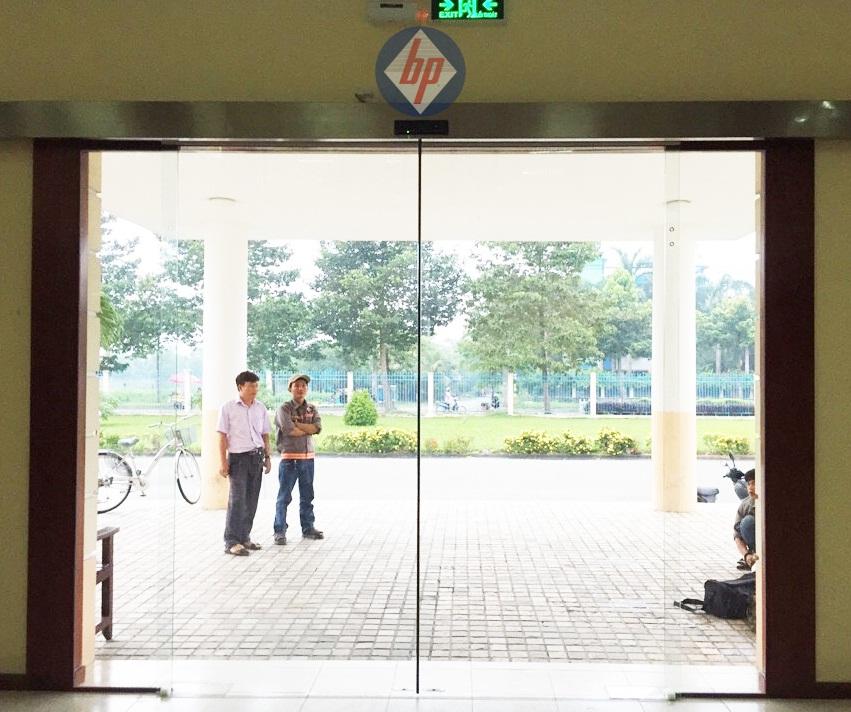 Cửa tự động Nhật Bản bằng kính
