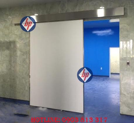 Cửa phòng phẫu thuật bệnh viện