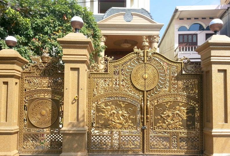 Mẫu cổng nhôm đúc đẹp 06