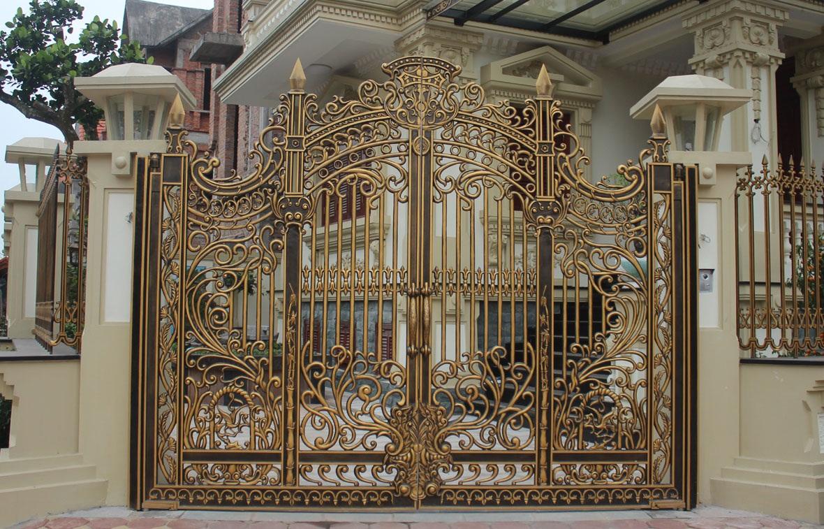Mẫu cổng nhôm đúc đẹp 08