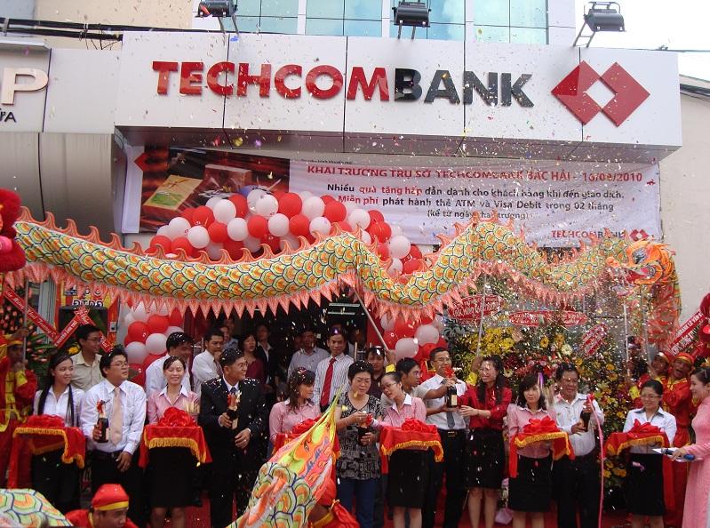 Hầu hết mọi chi nhánh của ngân hàng Techcombank do công ty Bảo Phúc cung cấp sản phẩm cửa tự động cùng dịch vụ thi công lắp đặt đều sử dụng cửa tự động NABCO