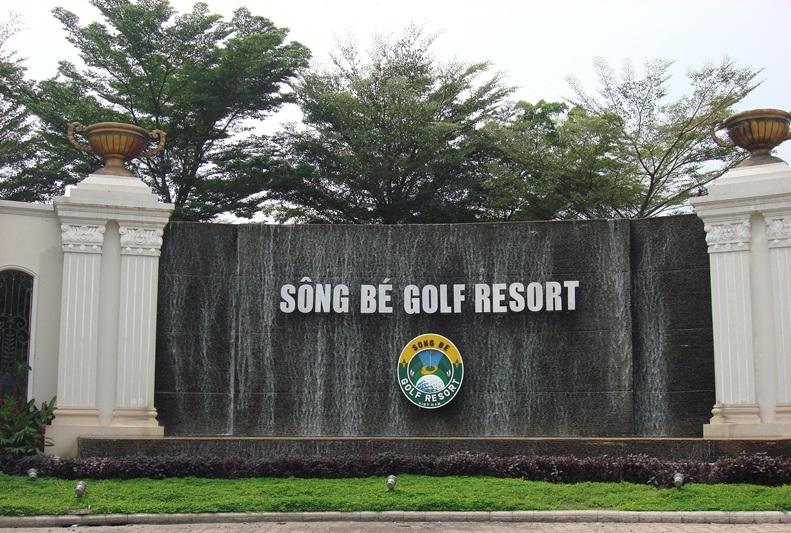 Cửa cổng tự động sân Golf