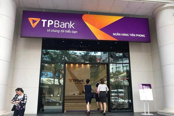 Cửa tự động ngân hàng TP-BANK