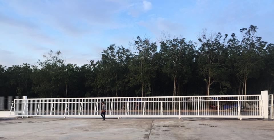Cửa cổng tự động KCN Bình Sơn