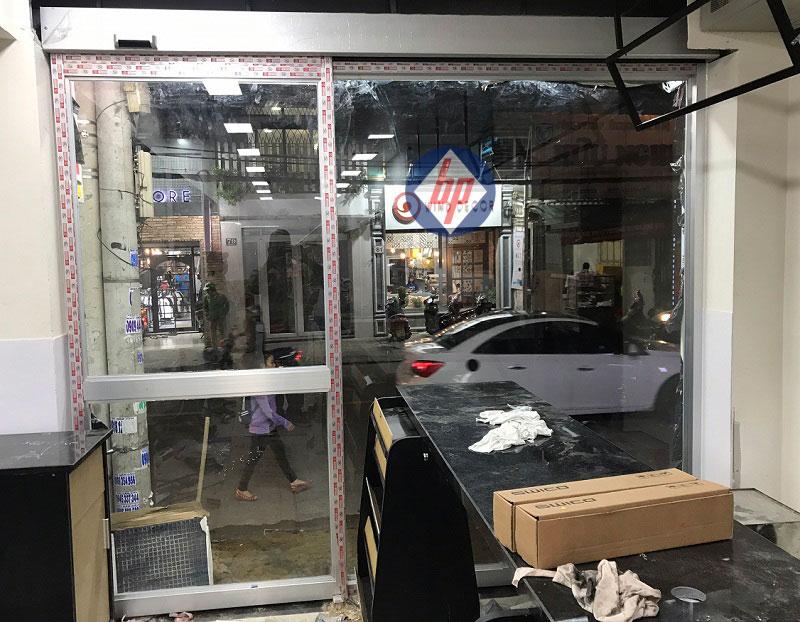 Cửa nhôm kính tự động Circel K