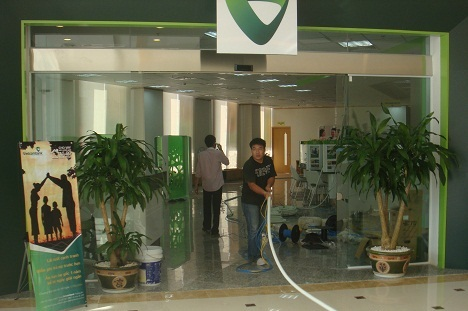 Cửa trượt tự động ngân hàng Vietcombank