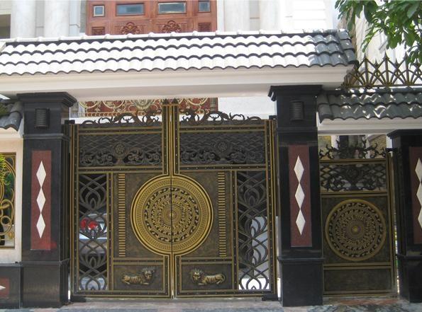 Mẫu cổng nhôm đúc đẹp 09